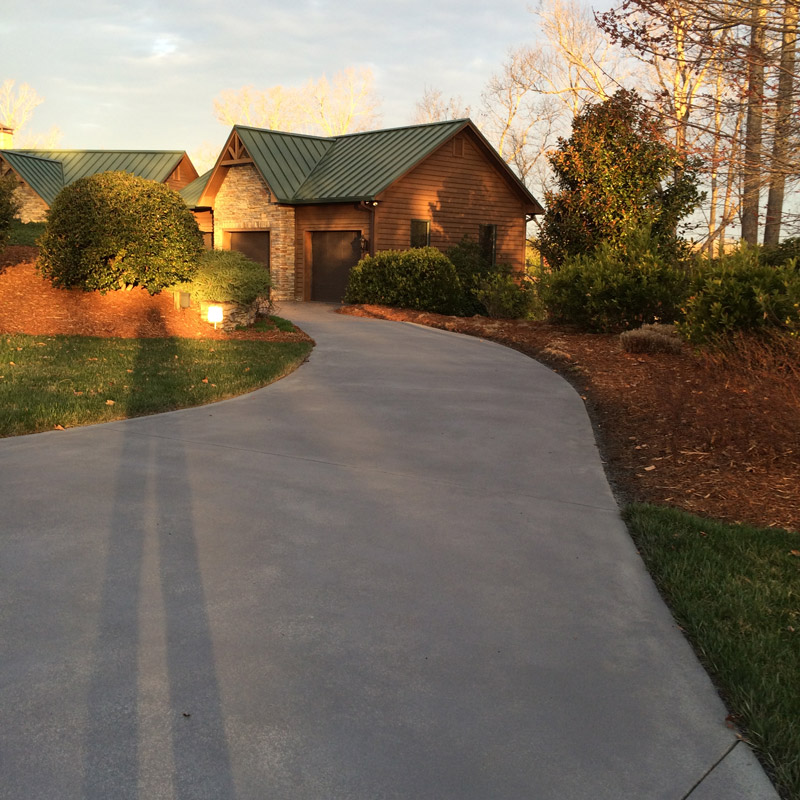 concrete-driveway-cleaning-after