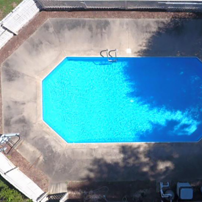 poolside-before2